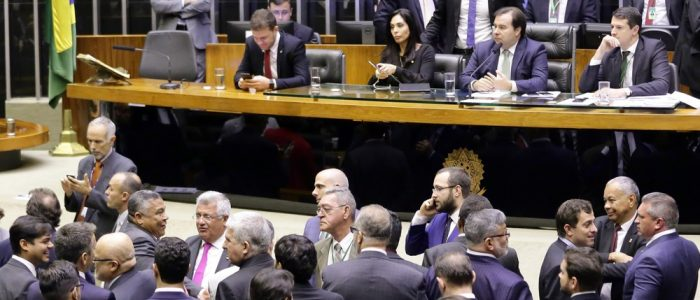 Câmara aprova texto-base de MP que altera Código Florestal e flexibiliza regras de anistia