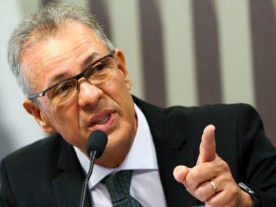 Ministro anuncia gás natural e mineração entre as prioridades do MME